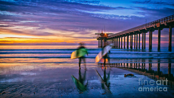 Surfers At Scripps Pier In La Jolla California Art Print