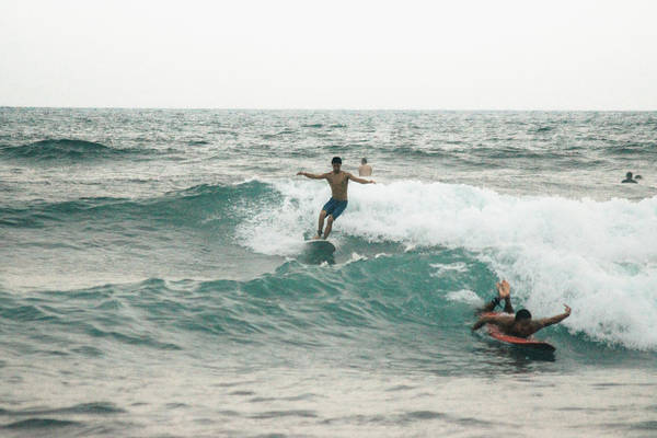 La Libertad Photograph - Surfing II by Totto Ponce