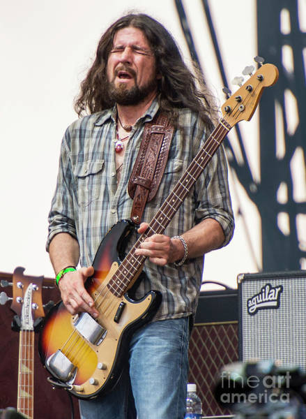 Black Crowes Wall Art - Photograph - Sven Pipien With The Black Crowes by David Oppenheimer