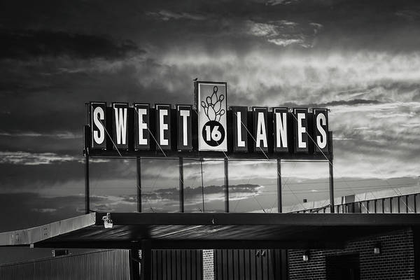 Photograph - Sweet 16 Lanes by Tom Woll