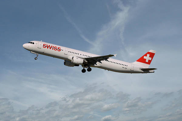 Airline Photograph - Swiss International Air Lines Airbus A321-111 by Smart Aviation