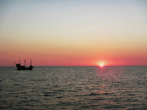 Wall Art - Photograph - Tampa Bay Sunset 5 Pirate Ship by Marilyn Hunt