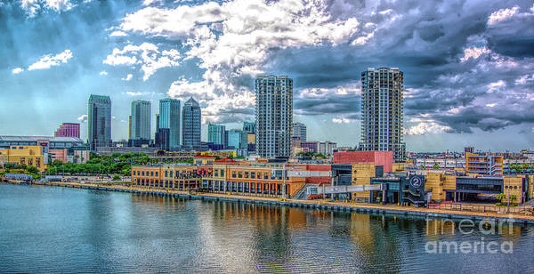 Port Of Tampa Wall Art - Photograph - Tampa Florida Skyline by Sue Melvin