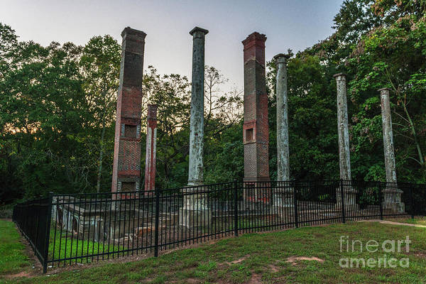 Photograph - Tanglewood Mansion Ruins by Dale Powell