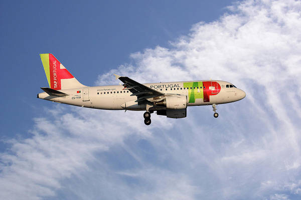 Portugal Wall Art - Photograph - Tap Portugal Airbus A319-111 by Smart Aviation