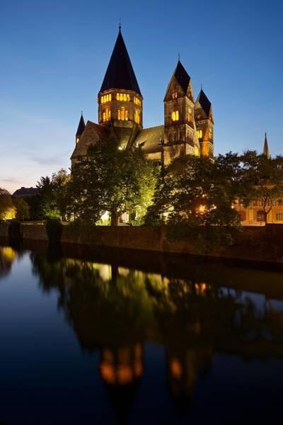 Photograph - Temple Neuf De Metz by Stephen Taylor