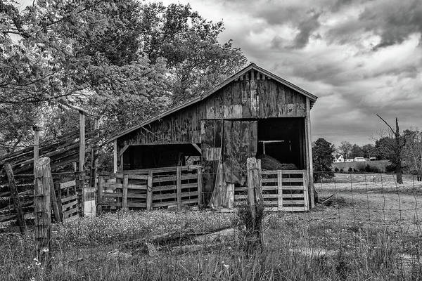 Photograph - Tennessee Barn by Jack Peterson