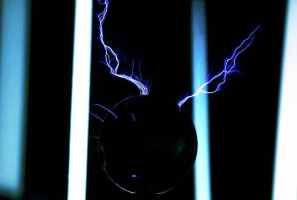 Photograph - Tesla Coil 6 by Tyson Kinnison