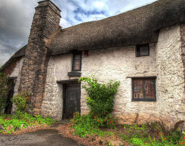 Photograph - Thatched Cottage 01 by Beverly Cash
