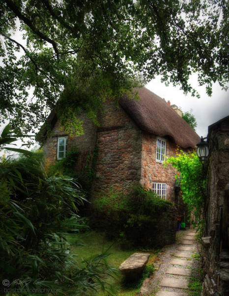 Photograph - Thatched Cottage 05 by Beverly Cash