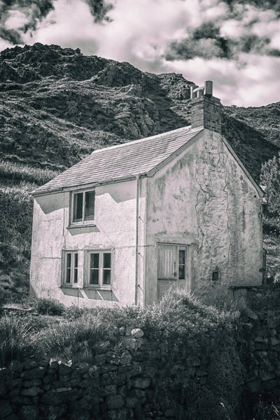 Urban Decay Wall Art - Photograph - The Abandoned House by Martin Newman