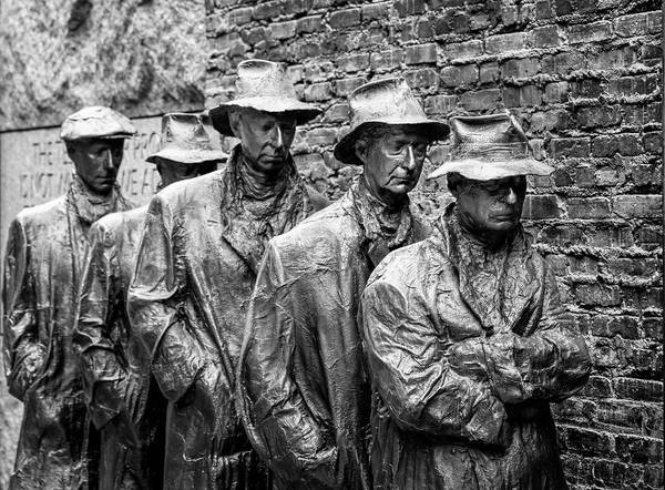 Photograph - The Breadline Bw Fdr Memorial Washington Dc by Joan Carroll
