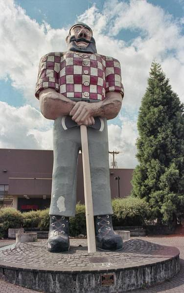 Photograph - The Bunyan Man by HW Kateley