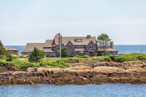 Photograph - The Bush Family Compound On Walkers Point by Brian MacLean
