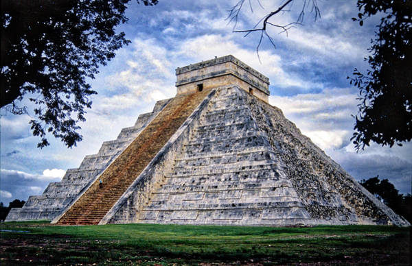 Kukulcan Photograph - The Castle - El Castillo, Chichen Itza by Agustin Uzarraga