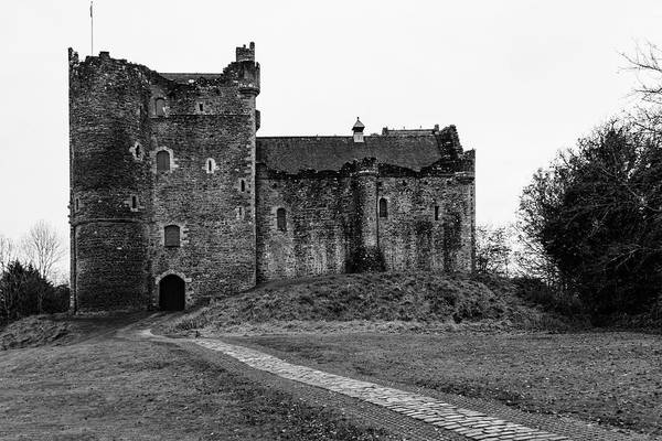 Ivanhoe Photograph - The Castle Of Aaarrrrggh by Guy Shultz