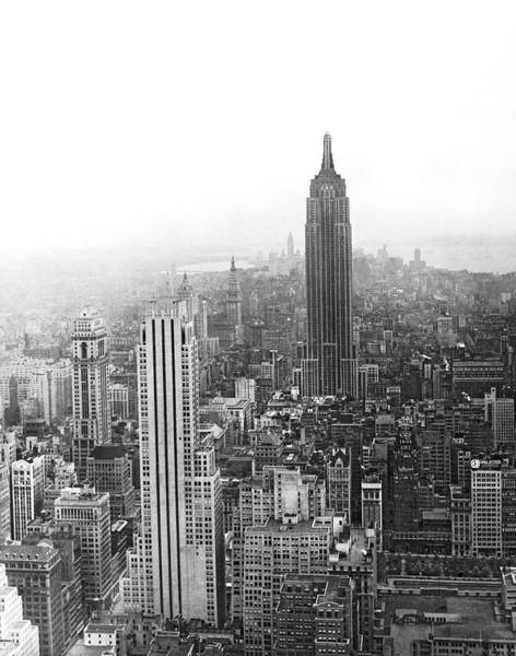 Wall Art - Photograph - The Empire State Building by Underwood & Underwood