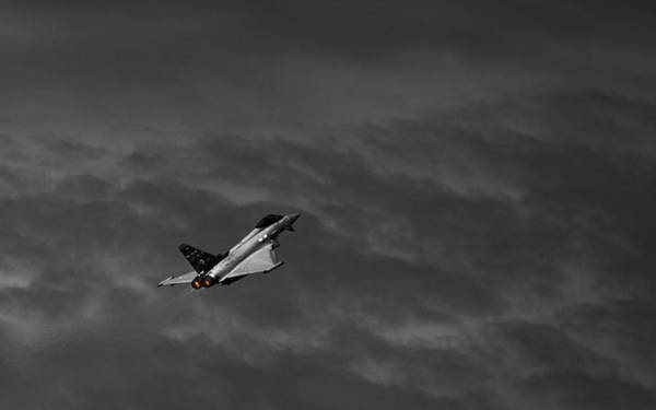 Jet Fighter Photograph - The Heat Is On by Nigel Jones