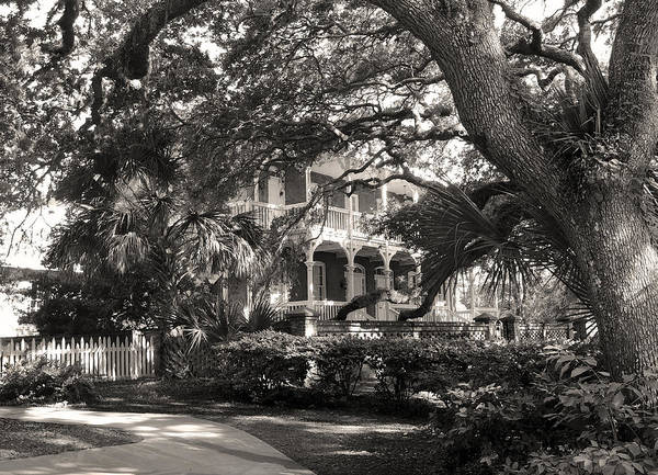 Saint Augustine Photograph - The Keeper's House by Gordon Beck