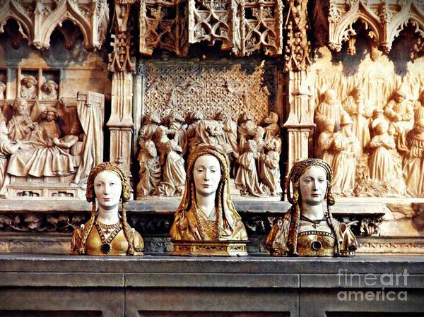 Roman Fort Photograph - The Ladies On The Altar by Sarah Loft