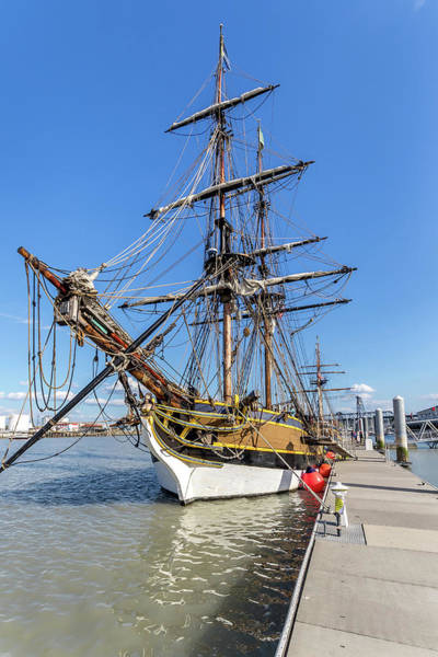 Photograph - The Lady Washington by Rob Green