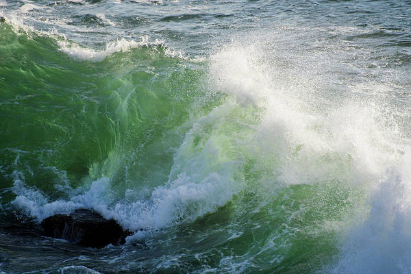 Photograph - The Light In A Wave by Robert Potts