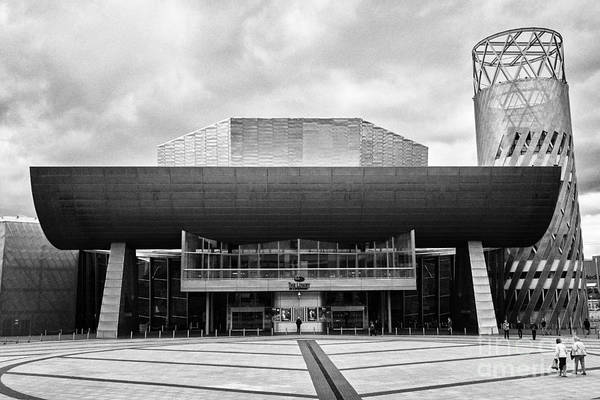 Lowry Photograph - The Lowry Art And Entertainment Complex Salford Quays Manchester Uk by Joe Fox