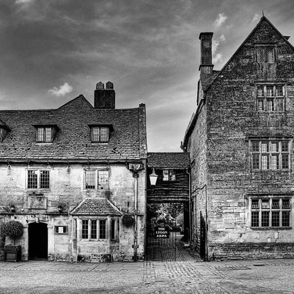 Blackandwhite Wall Art - Photograph - The Lygon Arms, Broadway by John Edwards