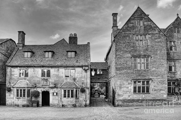 Inn Photograph - The Lygon Arms Broadway Worcestershire Uk by John Edwards