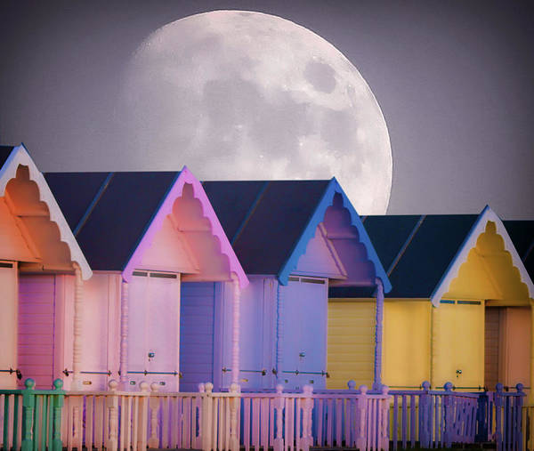 Wall Art - Photograph - The Moons Glow by Martin Newman