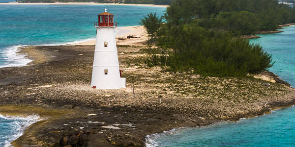 Photograph - The Nassau Harbor Light by Ed Gleichman
