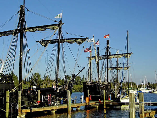 Floating Museum Photograph - The Nina And The Pinta by D Hackett