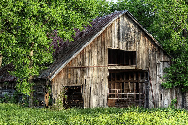 Photograph - The Old Barn In Denton Texas by JC Findley