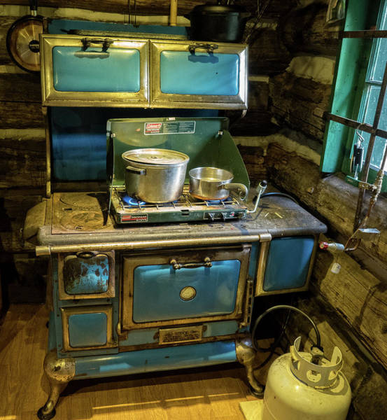 Photograph - The Old Blue Cookstove by Gary Karlsen
