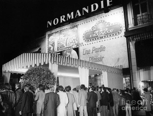 Playhouse Photograph - The Premiere Of The Film That's Entertainment, Paris, 14 January 1975 by French School