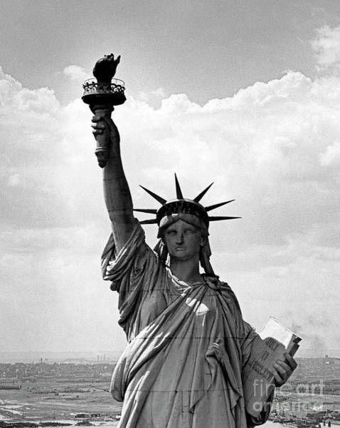 Wall Art - Photograph - The Statue Of Liberty In New York City Harbor by American School