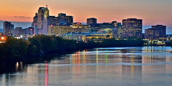 Conn Wall Art - Photograph - The Sun Sets On Hartford by Frozen in Time Fine Art Photography