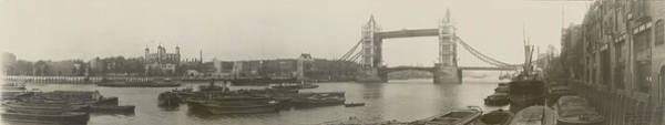 Photograph - The Thames At Tower Bridge 1909 by Richard Reeve