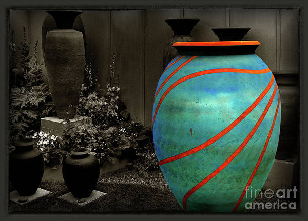 Stye Photograph - The Vase by Mike Nellums