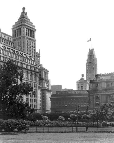 Battery Park Wall Art - Photograph - The View From Battery Park by Underwood Archives