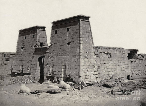 Photograph - Thebes Temple by Granger