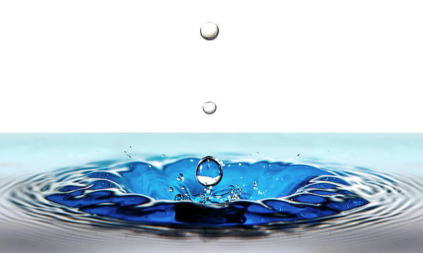 Photograph - Three Drops In A Fountain by Wes and Dotty Weber