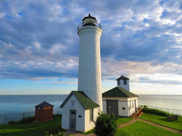Tibbetts Point Lighthouse In June Art Print
