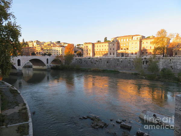 Photograph - Tiber River Early Morning by Laurie Morgan