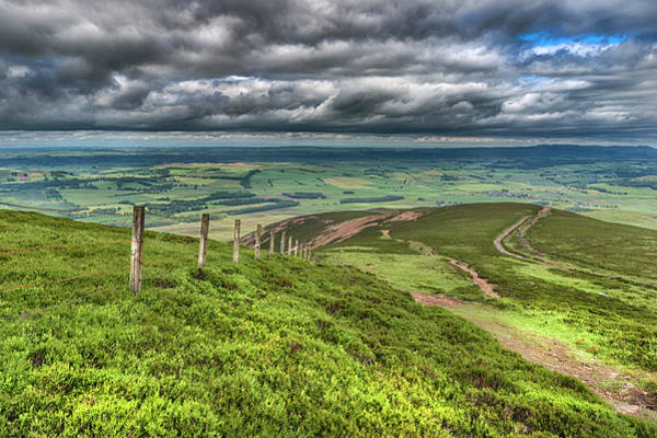 Southern Uplands Wall Art - Photograph - Tinto Hill In The Scottish Borders by Douglas Milne