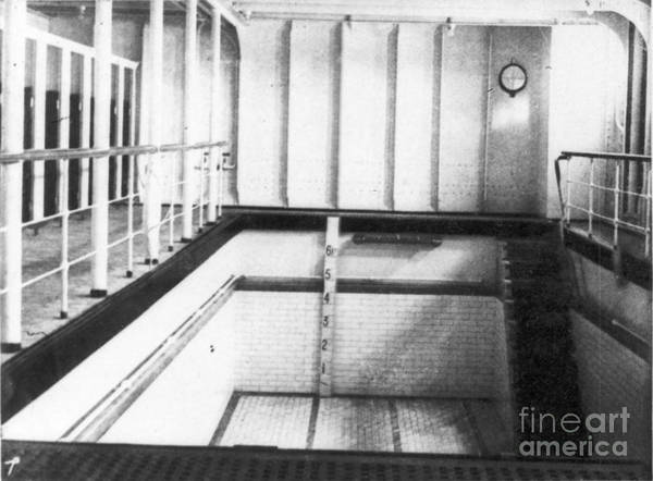 Photograph - Titanic: Swimming Pool by Granger