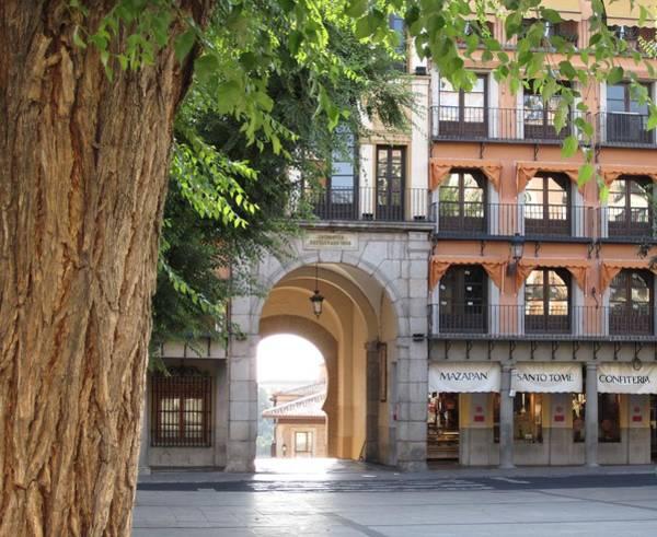 Photograph - Toledo City Square by John Shiron