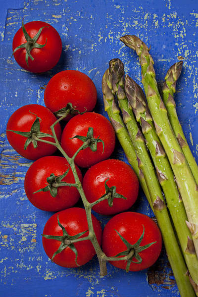 Asparagus Wall Art - Photograph - Tomatoes And Asparagus  by Garry Gay