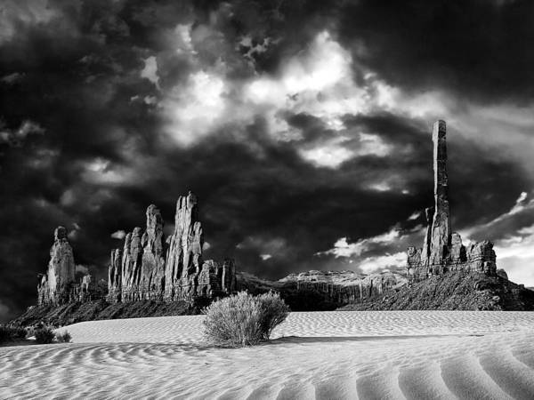 Photograph - Totem Pole And Yei Bi Chei by Dominic Piperata