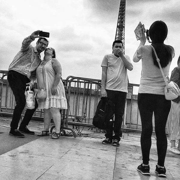 Wall Art - Photograph - Tour Eiffeling  #selfie #toureiffel by Rafa Rivas